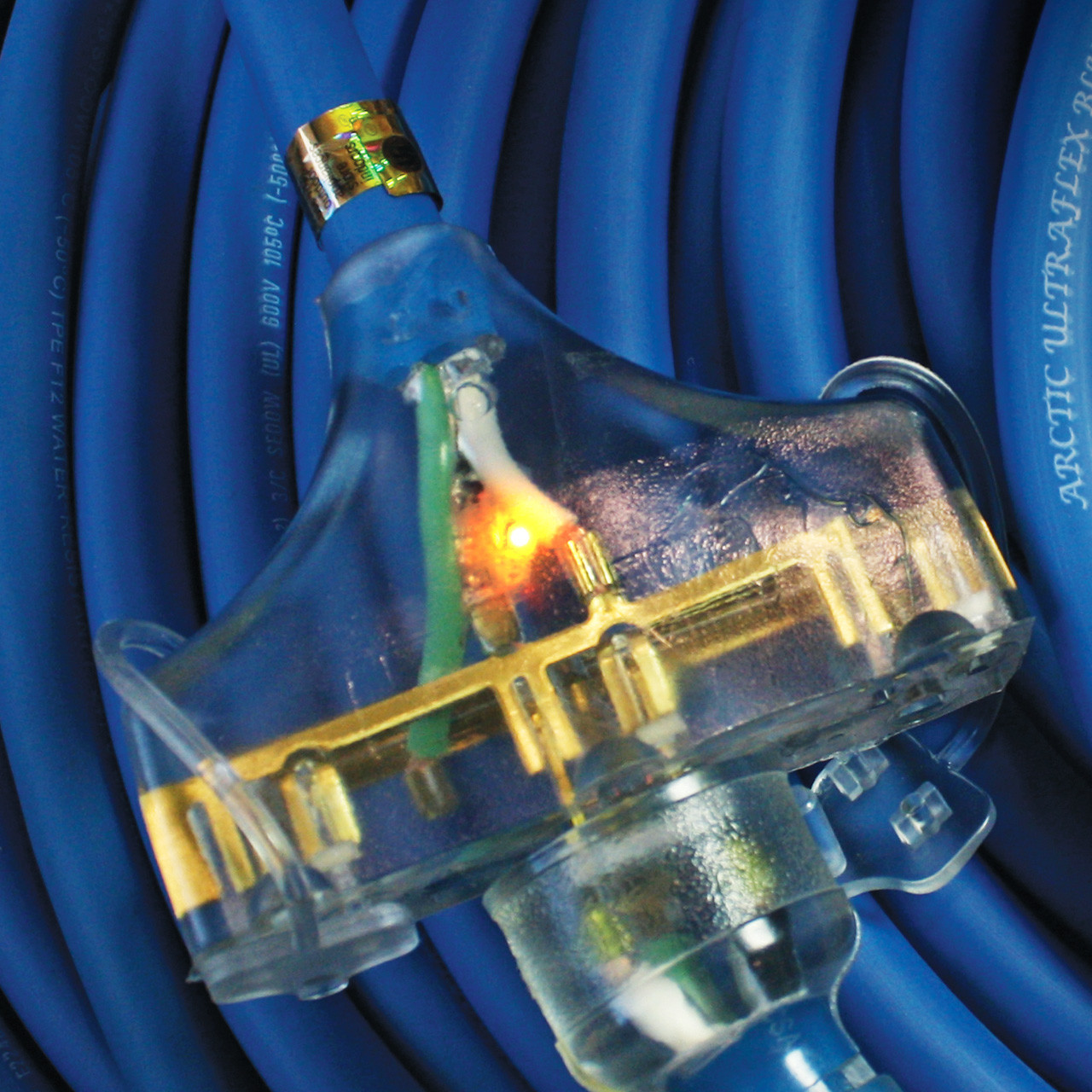 Polar Wire extension cords light when energized for instant power verification