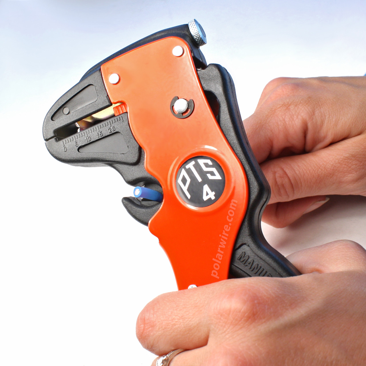 The PTS4 wire stripper features an integrated wire cutter with tempered steel blades