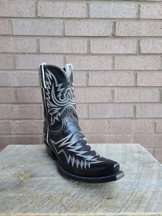Lucchese Classic size 7B