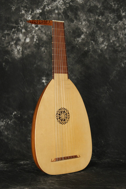 Fantasia model Lute