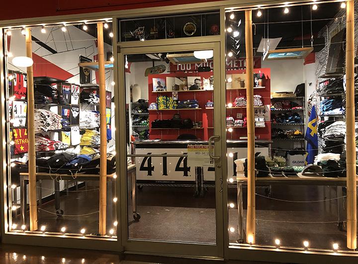 414-counter-showroom.jpg