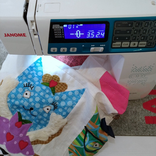 BEGINNERS - PATCHWORK: PIECED AND PATCHWORKED CATS