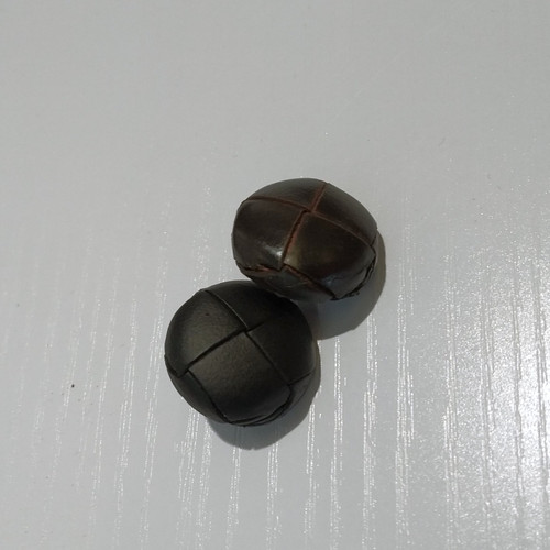 Corozo Button: Leather Button with Shank