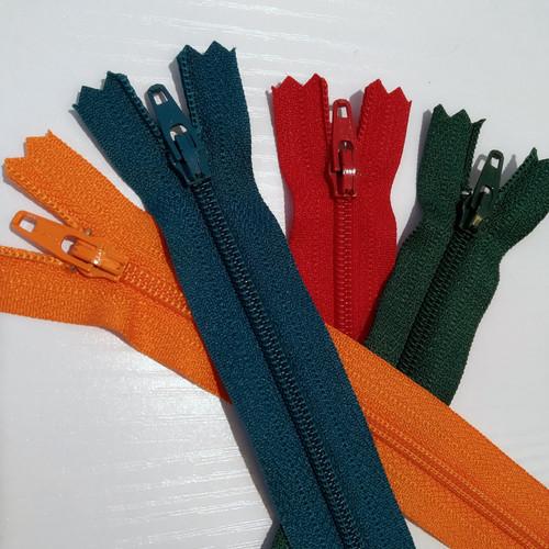 Rowe: Dress Zip 15cm