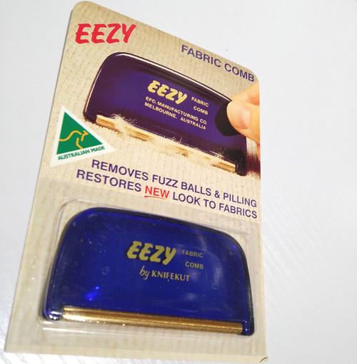 Eezy fabric comb