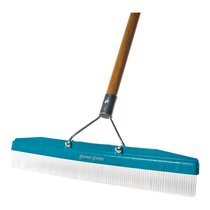 "GROOM INDUSTIRES 18"" GRANDI GROOM CARPET RAKE WITH HANDLE"
