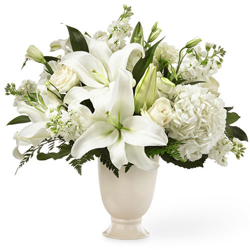 The FTD Remembrance Bouquet  for Chicago Delivery