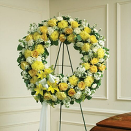 Yellow & White Standing Wreath.