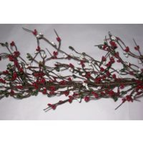 Primitive Pip Berry Garland in Red Green and White