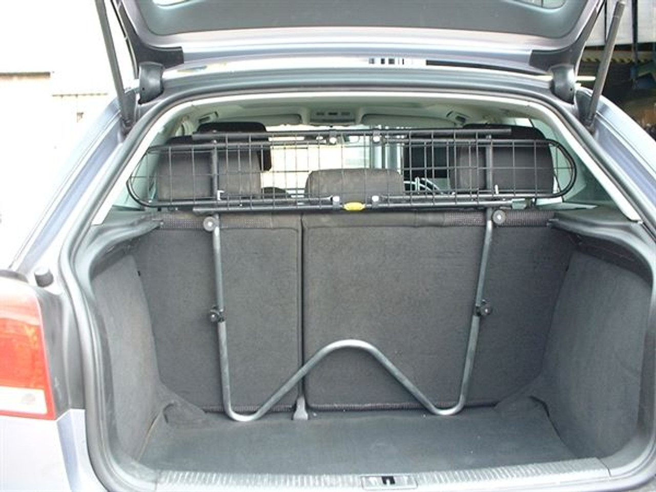Saunders W93 Dog Guard For Toyota Prius 2009 onwards