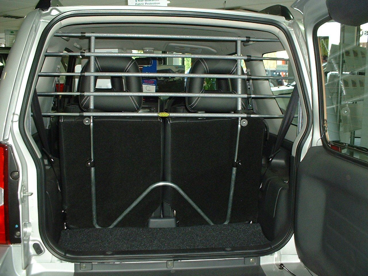 Saunders T95 Dog Guard For Toyota Avensis Estate 1997 - 2003