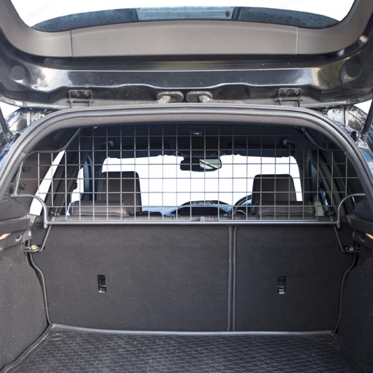 Custom Made Dog Guard for Ford Focus Estate 2010 to 2018