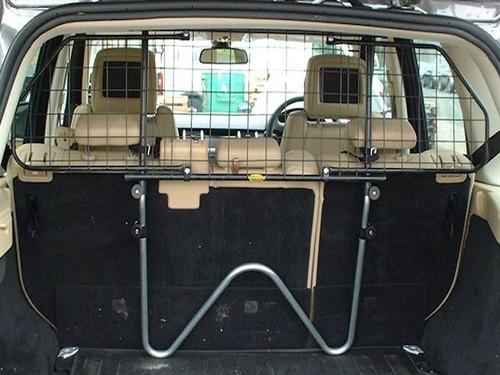 Saunders W95 Dog Guard For Toyota Avensis Estate 2009 onwards