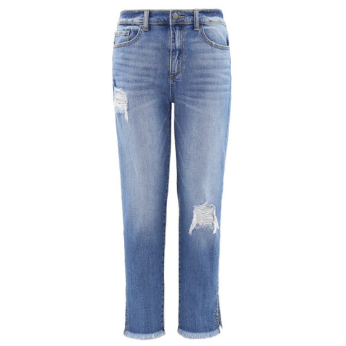 Tomboy fit jean features a high rise design with an overall relaxed fit.