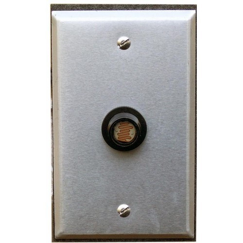 Morris Products 39042 Photocontrols Flush Mount with Wall Plate 208-277V