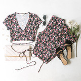 -Black -Floral Print -Elastic Waist -Straight Leg -Fabric Stretches -Pants -Set  Model is Wearing Size Small  Material: 97% Polyester 3% Elastane  CP1582 PANTS FLR