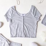 HEATHER GRAY RIBBED LETTUCE EDGE BUTTON UP - SET TOP
