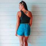 -Black Color -Striped Texture Pattern -Asymmetrical Neckline -One Shoulder -Fabric Stretches -Crop Top  Material: 94% Rayon   6% Spandex  DZ21E204 CROP BLK