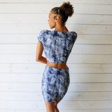 -Tie Dye Blue Color -Paisley Print -T-Shirt Sleeves -V-Neck -Ties in Front -Crop Top -Fabric Stretches -Top -Set  Material: 95% Polyester | 5% Spandex  S1336 CROP PAIS