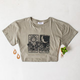 -Olive Green Color -Black Tarot Card Print on Front -Crew Neck -Short Sleeves -Crop Top  Materials: 100% Cotton  DZ21E188 TEE O/TAROT