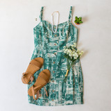 -Green and White Color -Tortoise Shell Buttons Down Front -Adjustable Elastic Straps -Sweetheart Neckline -Smocked Back -Zipper Closure -Lined -Dress  Materials: 80% Rayon | 20% Nylon  IMC4881 DRESS GRNP