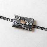 -Black and White Snakeskin Design -Gold Closure -Removable Belt -Belt is Adjustable -Bag  0721CCBAG 20 SNAKE