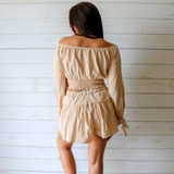 -Tan Color -Elastic Waist -Drawstring Waist -Ruffle Along Middle -Fabric Stretches  -Two Piece Set -Shorts  Materials: 100% Cotton  HF22A406 SKIRT TAN