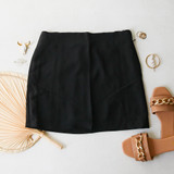 -Black Color -High Waisted -Slit on Side -Zipper on Side -Lined -Vertical Stitching  -Skirt  Materials 100% Cotton  HF22A808 SKIRT BLK