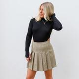 -Black Color -Turtleneck -High Cut on Sides -Long Sleeve -Button Closure -Bodysuit  Materials: 94% Rayon | 6% Spandex  DZ22A243 BSUIT BLK