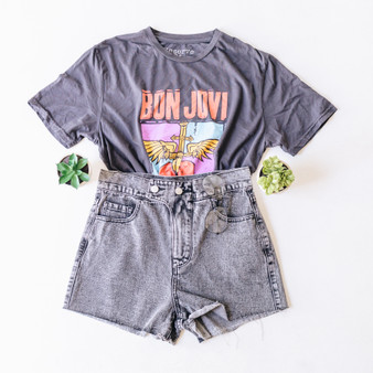 """-Charcoal Grey -Bon Jovi Graphic on Front -T-Shirt -Short Sleeve -Cropped  Material: 100% Cotton  Clothing Measurements: Bust: 20.5"""" Length: 21.5"""" Sleeve Length: 8.5"""""""