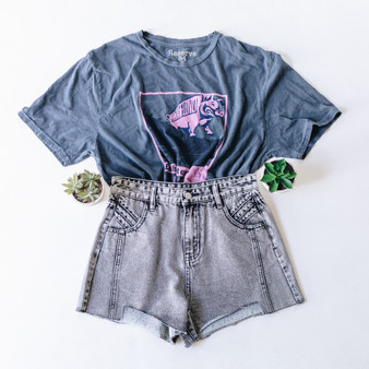 """-Gray -Pink Floyd Concert Tee -Purple and Black Print -Short Sleeve -Cropped -T-Shirt  Material: 100% Cotton  Clothing Measurements: Bust: 21.5"""" Length: 21"""" Sleeve Length: 9"""""""