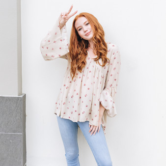 -Cream -Floral Print -Boho -Bell Sleeve -High-Low -Unline -Top  Model is Wearing Size Small  Material: 100% Rayon  T1801172 TOP CRMF
