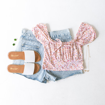 -Baby Pink -Floral Print -Bow -Cap Sleeve -Off-Shoulder -Peasant -Crop Top  Model is Wearing Size Small  Material: 95% Polyester 5% Spandex   2570TM CROP PNKF