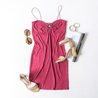 -Burgundy -Bungee Straps -O-Ring Detail -Bodycon -Dress -Unlined  Model is Wearing Size Small  Material: 96% Polyester 4% Spandex  DR9000 DRESS WIN