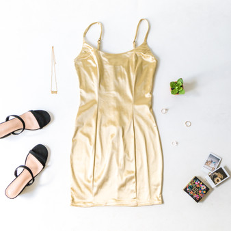 -Gold -Adjustable Straps -Zipper Closure -Hook and Eye -Mini -Bodycon -Dress -Partially Lined -Fabric Stretches  Material: 95% Polyester 5% Spandex  BC2032-DRESS-TSAT
