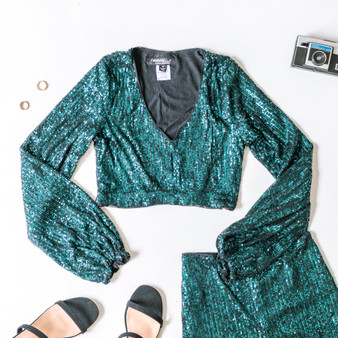 -Turquoise -Sequins -V-Neck -Long Sleeve -Hook and Eye Clasp -Zipper -Lined -Crop -Top -Set  Material: Self: 58% Nylon 40% PET 2% Spandex Lining: 95% Polyester 5% Spandex  ST22061 CROP GRNSQ