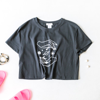 -Black -White Graphic -Short Sleeve -Loose Fit -Crop -T-Shirt  BW4073 BLK SPACE