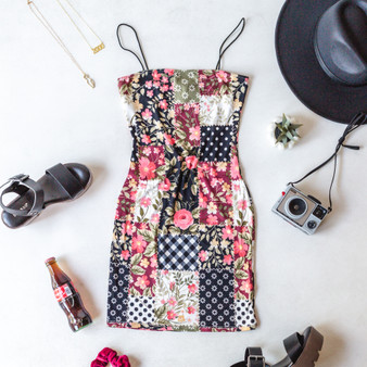 -Multi Color -Patchwork Print -Bungee Straps -Square Neck -Unlined -Mini -Dress  Model is Wearing Size Small  Material: 95% Polyester 5% Spandex  D2823 DRESS WPAT