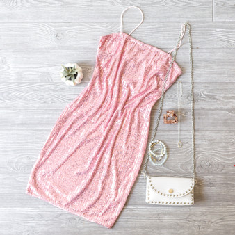 -Pink -Sequins -Bungee Straps -Square Neck -Lined -Mini -Dress  Model is Wearing Size Small  Material: 95% Polyester 5% Spandex  D2538 DRESS PSEQ