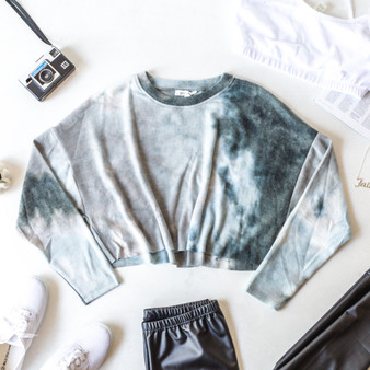 -Jade -Tie-Dye -Crew Neck -Long Sleeve -Crop -Unlined -Fabric Stretches -Comes in 2 Colors  Model is Wearing Size Small  Material: 68% Polyester 28% Rayon 4% Spandex  T8504 LS BTD