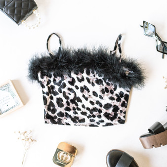-Leopard -Feather Hem -Square Neck -Spaghetti Straps -Adjustable Straps -Fabric Stretches -Unlined -Crop  Model is Wearing Size Medium  Material: 95% Polyester | 5% Spandex  T8573 TUBE CHT