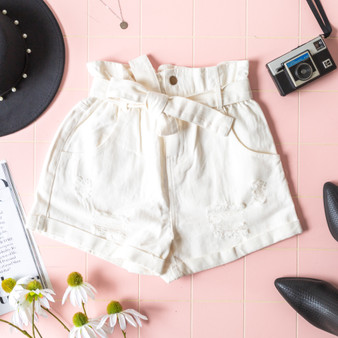 -White -Denim -Distressed -Cuffed -High-Waist -Zipper -Button -Belt Loops -Fabric Does Not Stretch -Comes in 3 Washes -Shorts  Model is Wearing Size  Small  Material: 100% Cotton  HF21E785 SHORT WHT