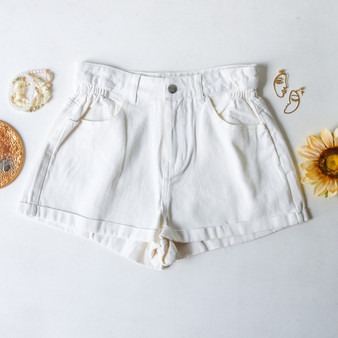 -High Wasted -Elastic Waistband -White Denim Color -Cuffed Bottom -Pockets -Zipper -Button -Belt Loops -Comes in 3 Washes -Shorts  Material: 100% Cotton  HF21E914 SHORT WHT