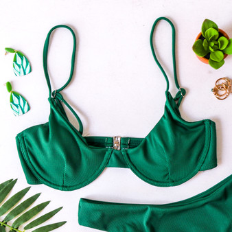 -Green Color -Support Cups -Built-In Underwire -Ribbed -Spaghetti Straps -Clasp Closure -Removable Pads -Lined -Swim -Set -Top  Material: 82% Polyester | 18% Spandex  SWIM TOP3 GRN