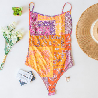 -Paisley Print -Adjustable Straps -Spaghetti Straps -Snap Button Closure -Snap Button Closure -Fabric Stretches    Materials: 92% Polyester | 8% Spandex  T8685 BSUIT PPAT