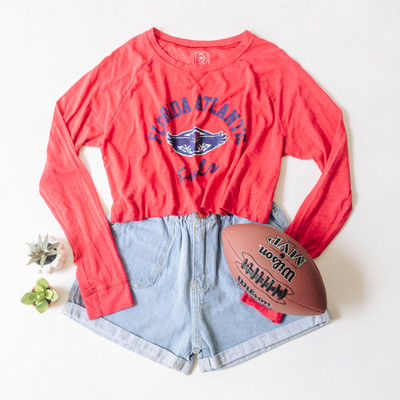 "- Crew Neck  - Long Sleeves  - Cropped - Red Tee  - Florida Atlantic Owls Design  - Design is on the Front   Top is a size Large   Clothing Measurements: Bust: 22"" Length: 16.5"" Sleeve Length: 26"""
