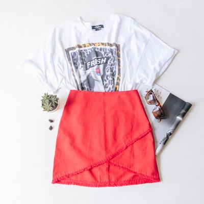 - Comes in Seven Colors - Envelop Detail  - Fringe Hem Line  - Back Zipper Closure - Fabric Does Not Stretch - Lined    Material Content: 40% Cotton 30% Linen    CS0288 SKIRT
