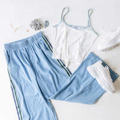 - Comes in Two Colors  - Blue and Green Stripe Detail  - Elastic Waistband  - Fabric Does Not Stretch  - Unlined   Model is Wearing a Size   Material Content: 95% Cotton  5% Polyester   P1800 PANT