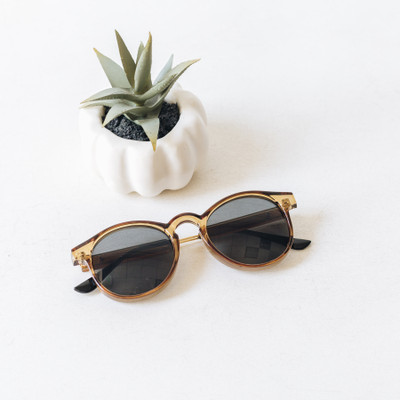 - Transparent Brown  - Round Style - Medium Color Lens