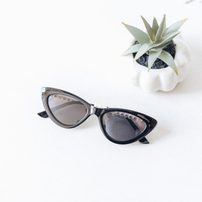- Comes In Two Colors - Cateye Style - Pearl Detail - Medium Lens